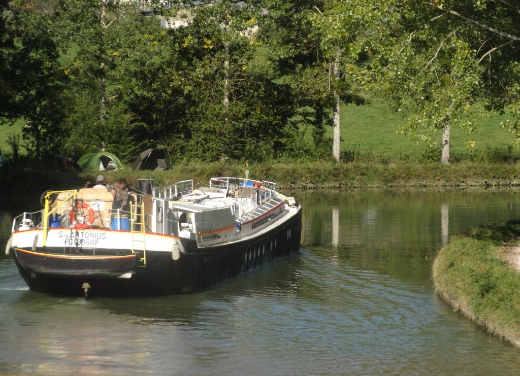 Barge on the Burgundy Canal at Marigny-le Cahouët Photo by Maurie O'Connor