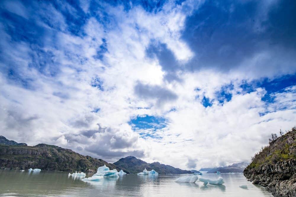 Icebergs on LAke Grey, Patagonia