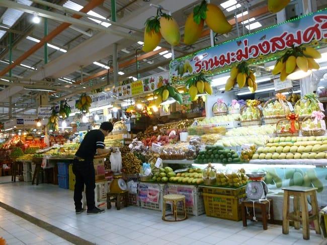 Bangkok's Food Market (c) M'Liss HInshaw. FWT Magazine.