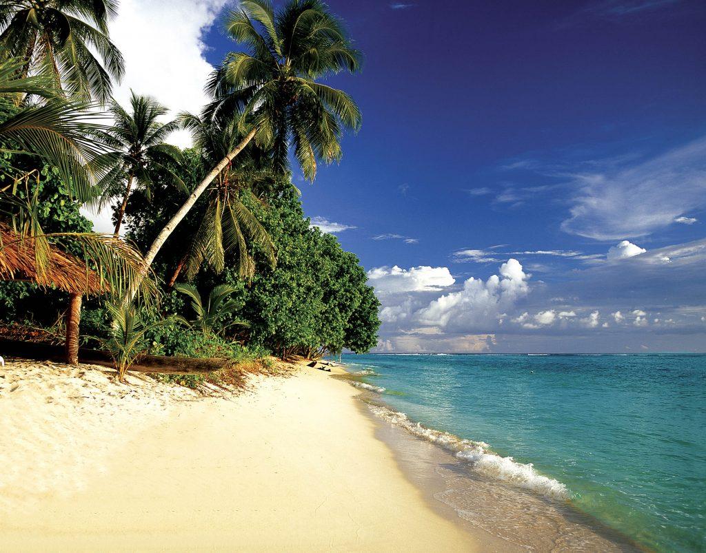 Stunning beaches of the Solomon Islands (c) Solomon Islands Visitors Bureau. FWT Magazine.