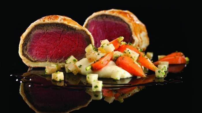 Roasted Beef Wellington at Gordon Ramsay Steak. © Caesars Entertainment. FWT Magazine.