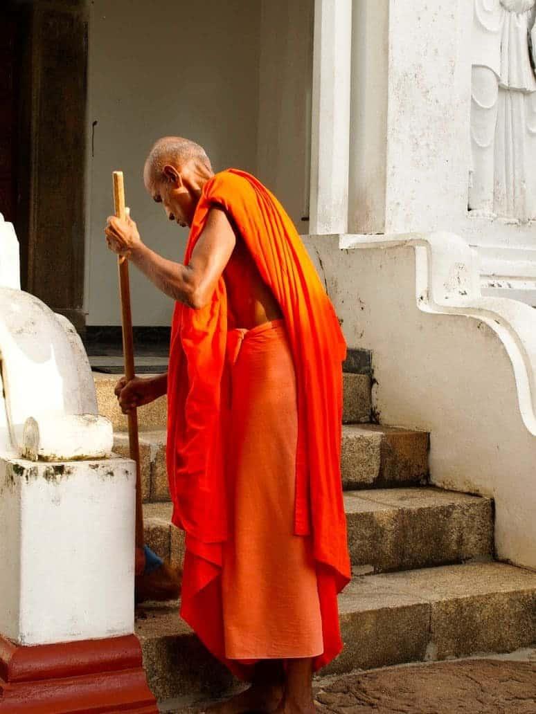 Buddhist temple. FWT Magazine.