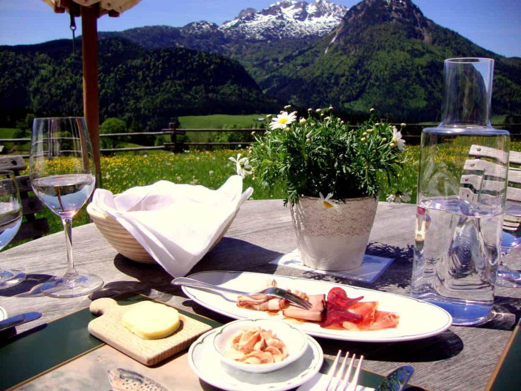 Dining in Austria. FWT Magazine.