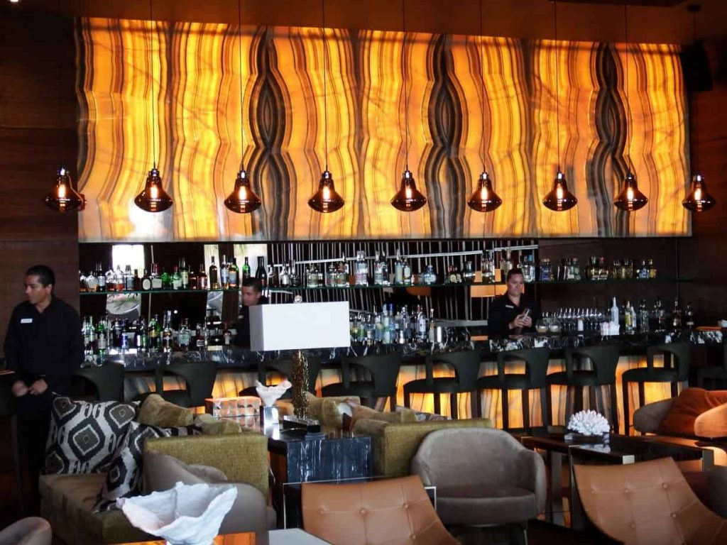 Spectacular restaurant and bar in the resort