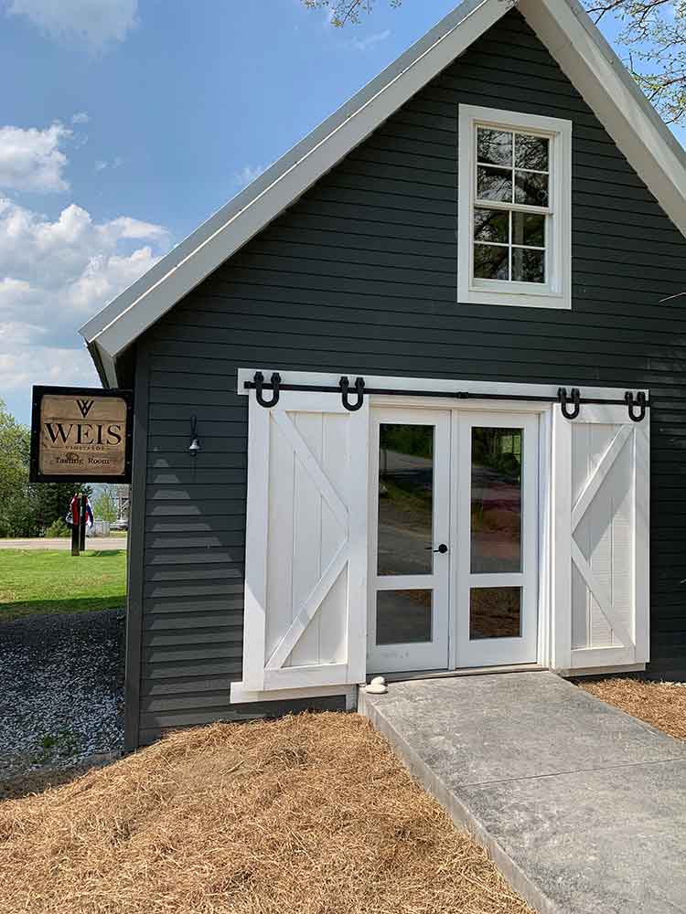 Weis Vineyards Tasting Room