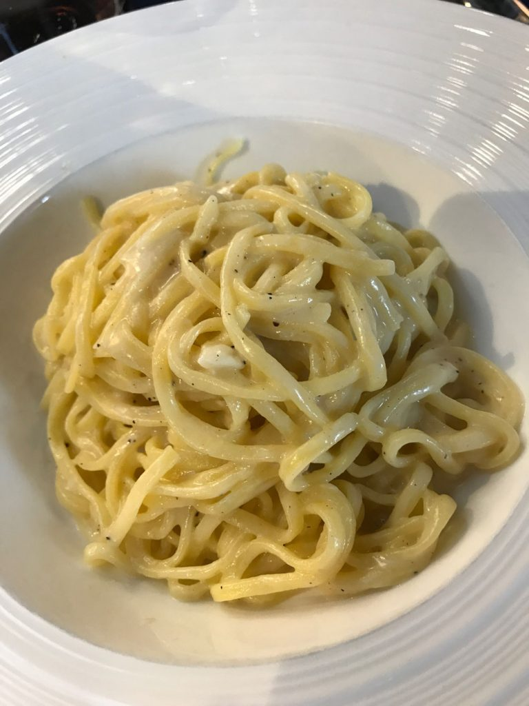linguine with cheese and pepper