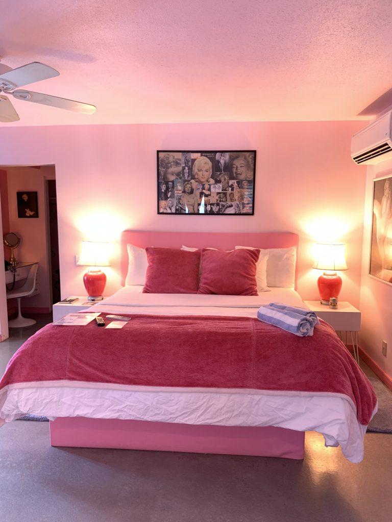 Palm Springs Marilyn Monroe suite tại Rendezvous